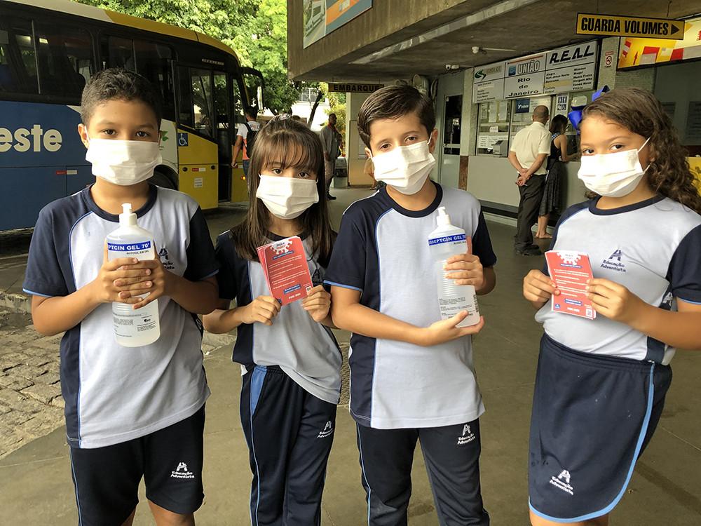 Crianças alertam população para a prevenção do Coronavírus
