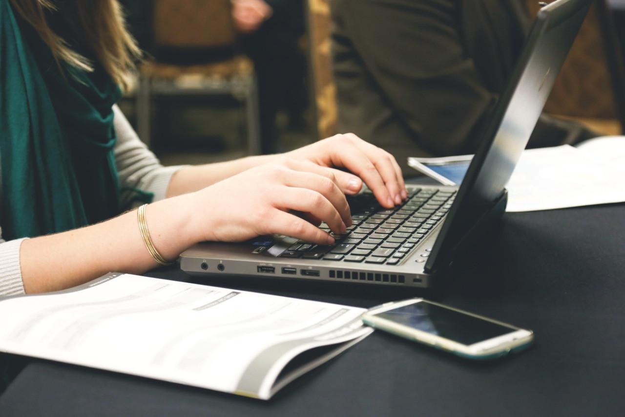 Plataforma online auxilia alunos no ensino à distância